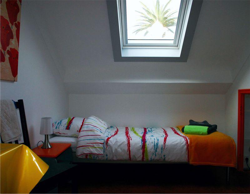 Chambre Mansardée 5 – Bed and Breakfast & Maison de Vacances